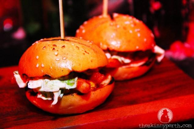 Calamari Sliders: Marvellous Mini Fried Squid Hamburgers